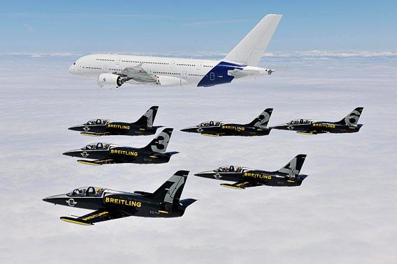 l'A380 vole avec la Jet Team Breitling