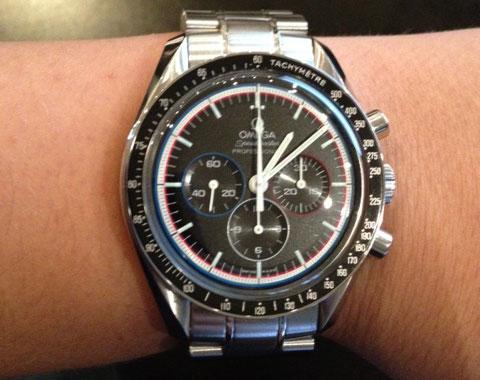 montre omega speedmaster professional moonwatch apollo15 cresus montres de luxe d'occasion