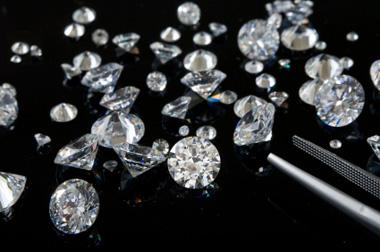 diamants de plusieurs tailles