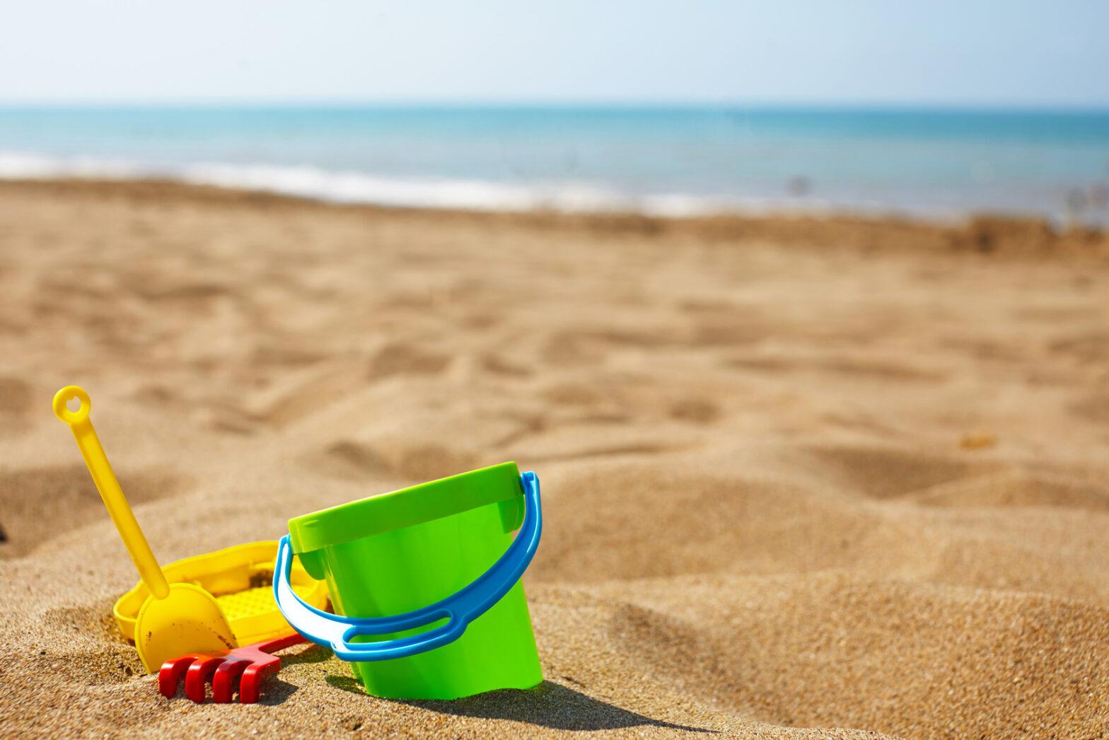 Children's beach toys vacances été