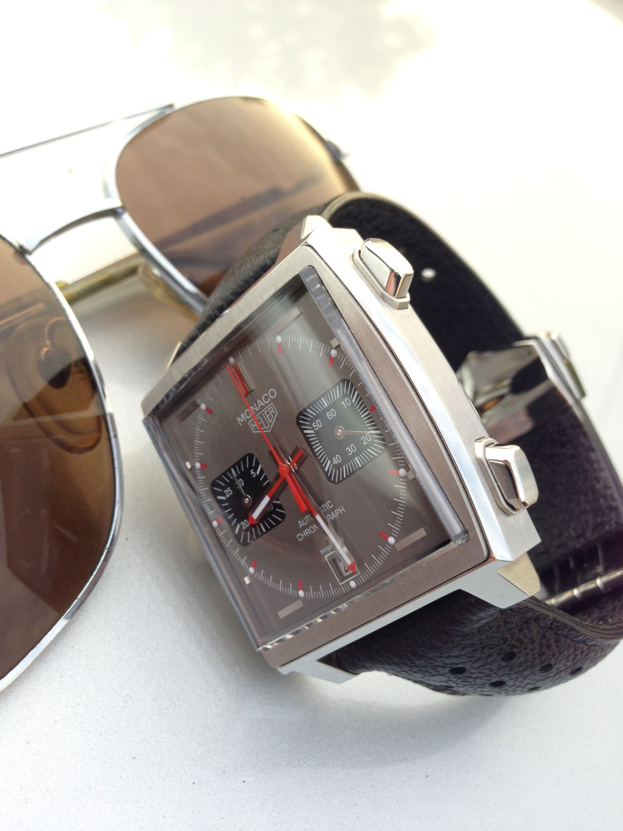 Heuer Monaco Vintage Chronographe montre de luxe d'occasion cresus