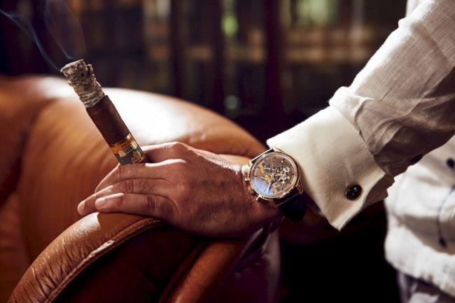 zenith-cigares-hommage-montre-luxe-el-primero-cresus-cohiba-acier-copyright-watchonista